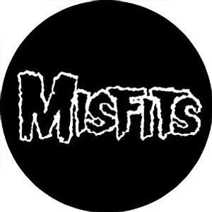 THE MISFITS BAND LOGO BUTTON: Home & Kitchen