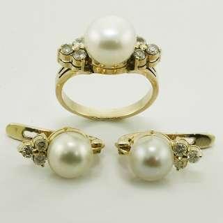 Wonderful White Pearl Round Diamond 14K Yellow Gold Vintage Earring