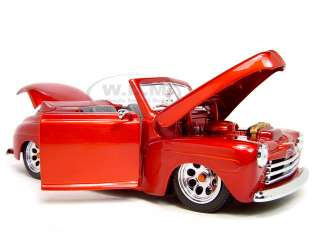 1948 FORD CUSTOM RED 118 SCALE DIECAST MODEL |