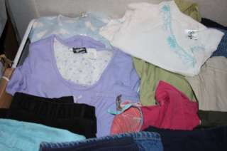 Huge lot 20 Ladies Maternity Clothes Size Medium Pants Shirts Tops