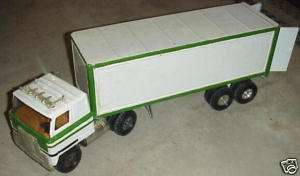 Ertl International Semi Tractor Trailer Model