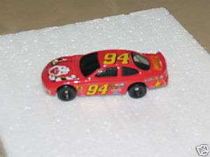 1998 MATTEL HOT WHEELS DIECAST CAR RONALD MCDONALD TOY
