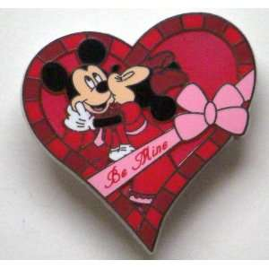 Disney Trading Pins   2012 Valentines Day   Mickey and Minnie Heart