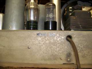 WARDS AIRLINE SHORT WAVE RADIO MODEL 62 329