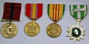 US MARINE CORPS MEDALS   DEFENSE, VIETNAM WAR STAR