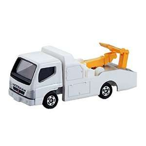 Tomy Tomica #002 Mitsubushi Fuso Canter Wrecker Truck Toys & Games