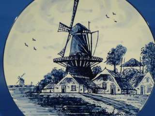 d551 Windmill and Farmhouse on 8¼ Delft Blue PLATE