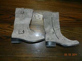 Ladies Juicy Couture Green Suede Boots size 6 1/2