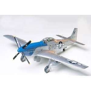 48 North American P 51D Mustang (Plastic Model Airplane) Toys & Games