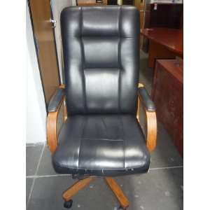 Black W/Wood Executive Leather Chair