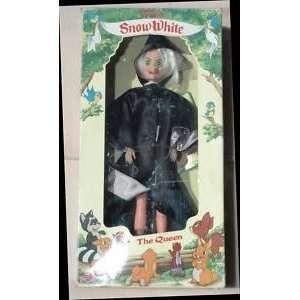 Vintage Disney Snow White the Witch 12 Fashion Doll Toys & Games