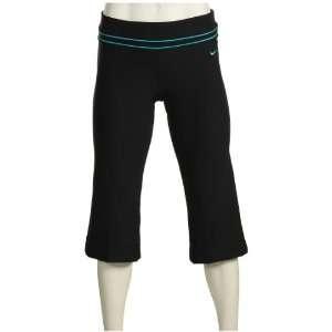 Nike Womens Dri Fit Be Strong Poly Capri Pants Black M