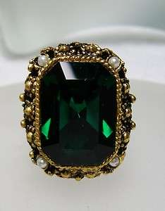 GORGEOUS~Large Vintage Emerald Cut Green GLASS & Faux Pearl Adjustable